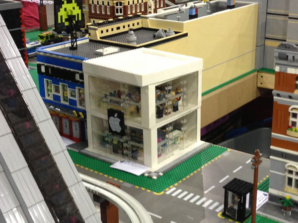 replica-apple-store-lego-15