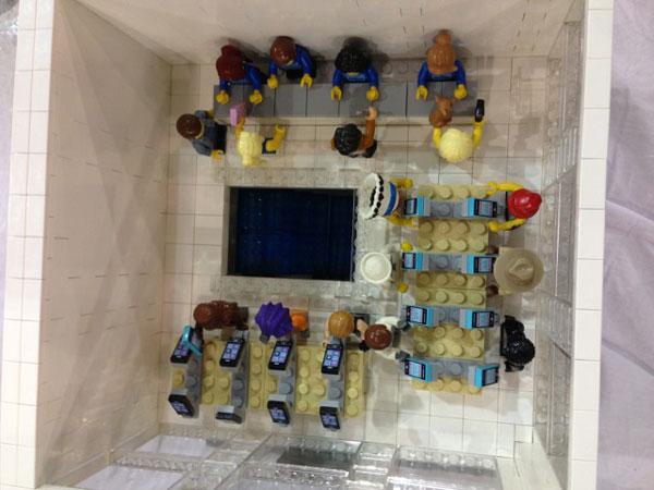 replica-apple-store-lego-18