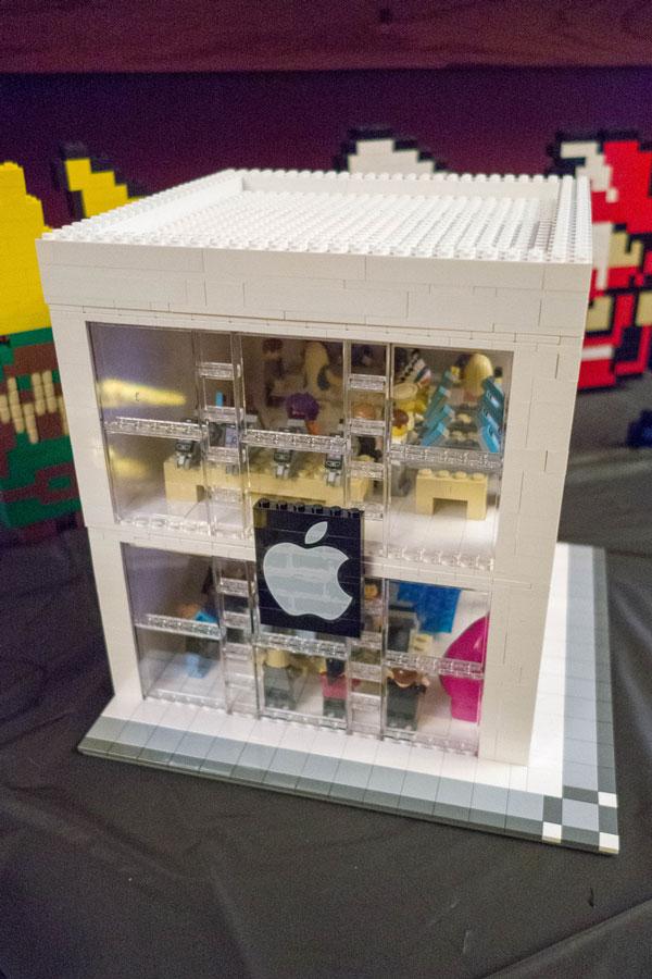 replica-apple-store-lego
