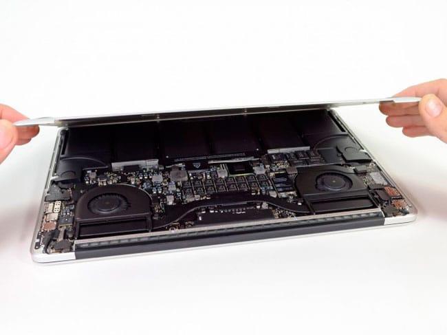 interior MacBook Pro Retina