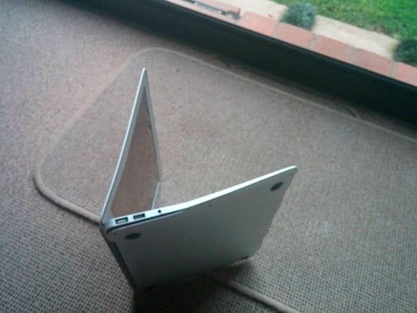 macbook-air-doblado